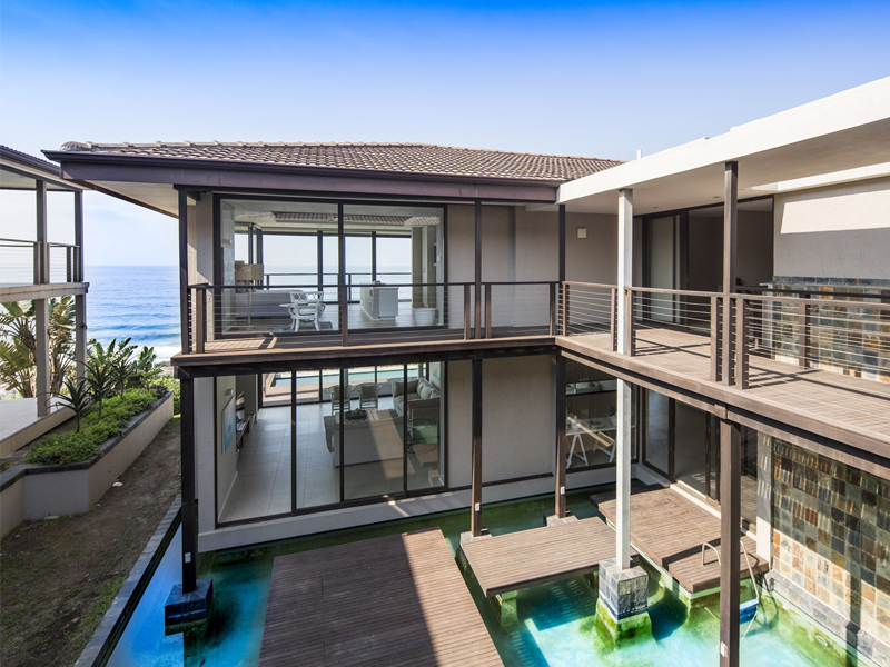 Sovereign Sands is a luxurious beach Holiday Villa on the North Coast. This 8 sleeper is the epitome of self-catering excellence, a perfect holiday home.